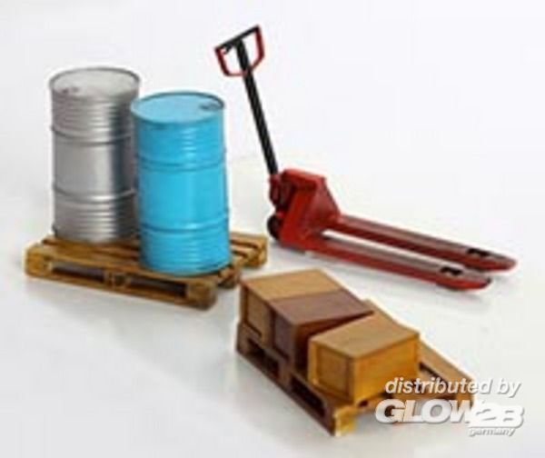 Diorama Accessories: Pallet Truck and Pallets
