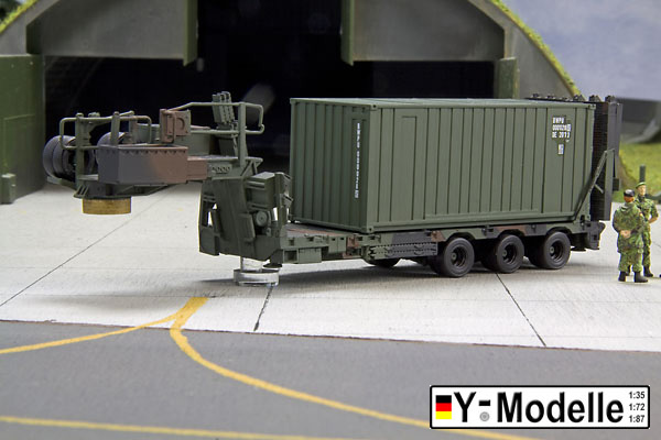 Sattelauflieger 30 to, mit 20ft Container